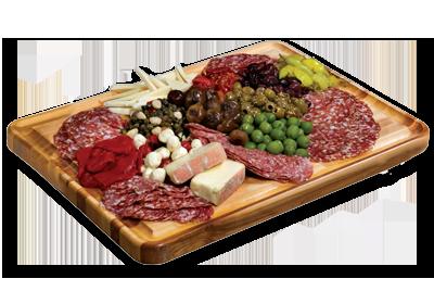 slags ost, 3 slags salami, 2 slags skinke/filet anrettet med diverse ...